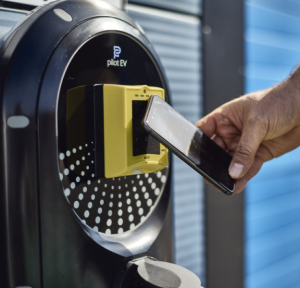 Contactless payment on Pilot Group EV charger